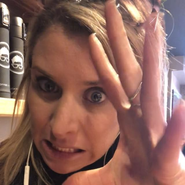Frazzled? Frustrated? Are people annoying you? #instavideo #3 on dealing with holiday #stress & emotions more videos and #dbt skills in my bio  #mindfulness tool and #distraction in this video- don't focus on the thoughts or #anxiety for a min instead do this!  #video ・・・ Don't get stressed! 🏼 . . . #mentalhealth #adulthood #adulting #parents #goals  #therapy #life #ugh #thestruggleisreal #problems #truth #therapy #mentalhealth #selfcare #humor  #mindset #videooftheday #work #grind #instagood
