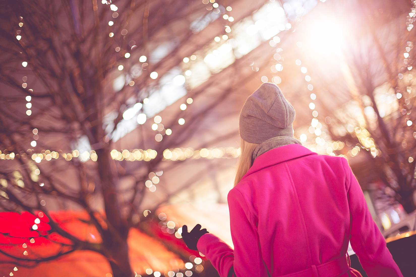 The holidays can be a magical time, but they also bring holiday stress. These 5 tips help you fight off the stress and anxiety of the holiday season.
